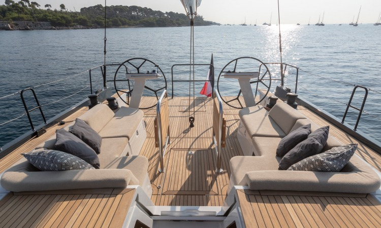 Beneteau First Yacht 53 cockpit