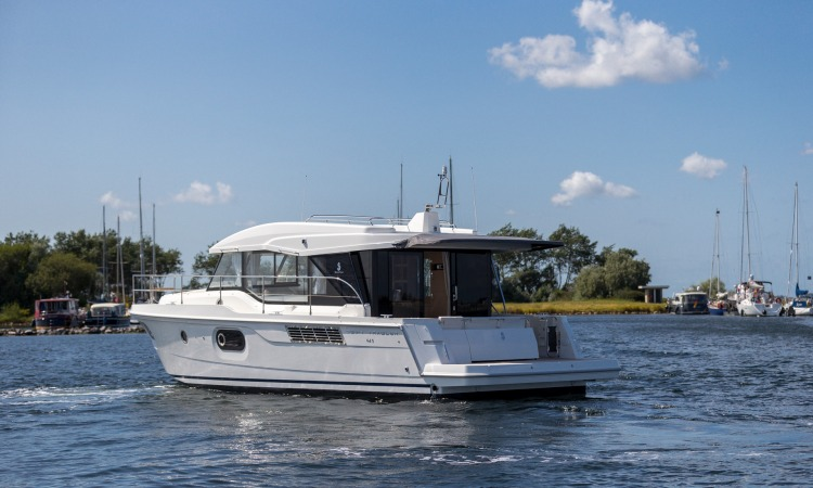Beneteau Swift Trawler 41 Sedan 10