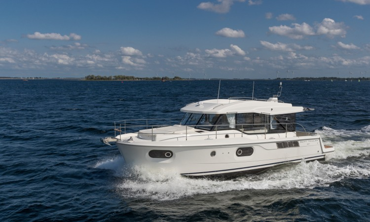 Beneteau Swift Trawler 41 Sedan 11