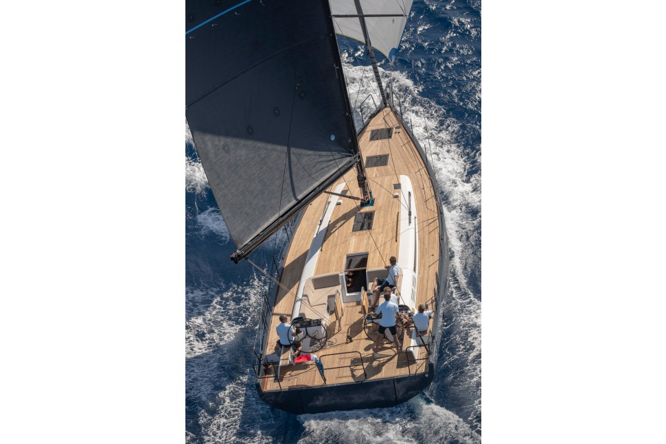 Beneteau First Yacht 53 22 aft deck under sail