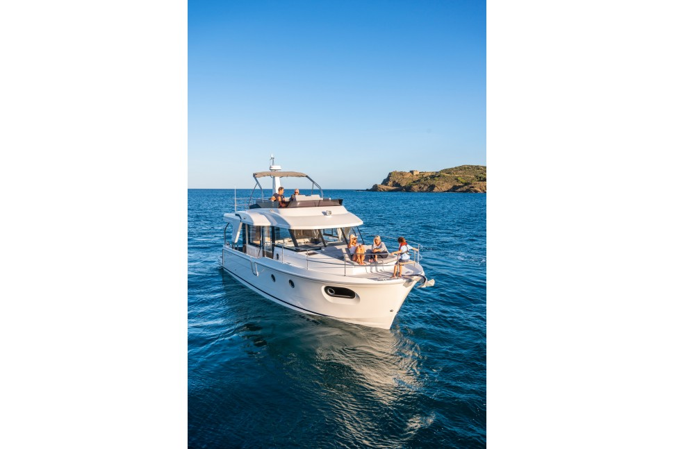 Beneteau Swift Trawler 41 40