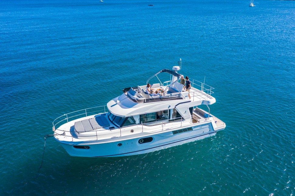 Beneteau Swift Trawler 41 43
