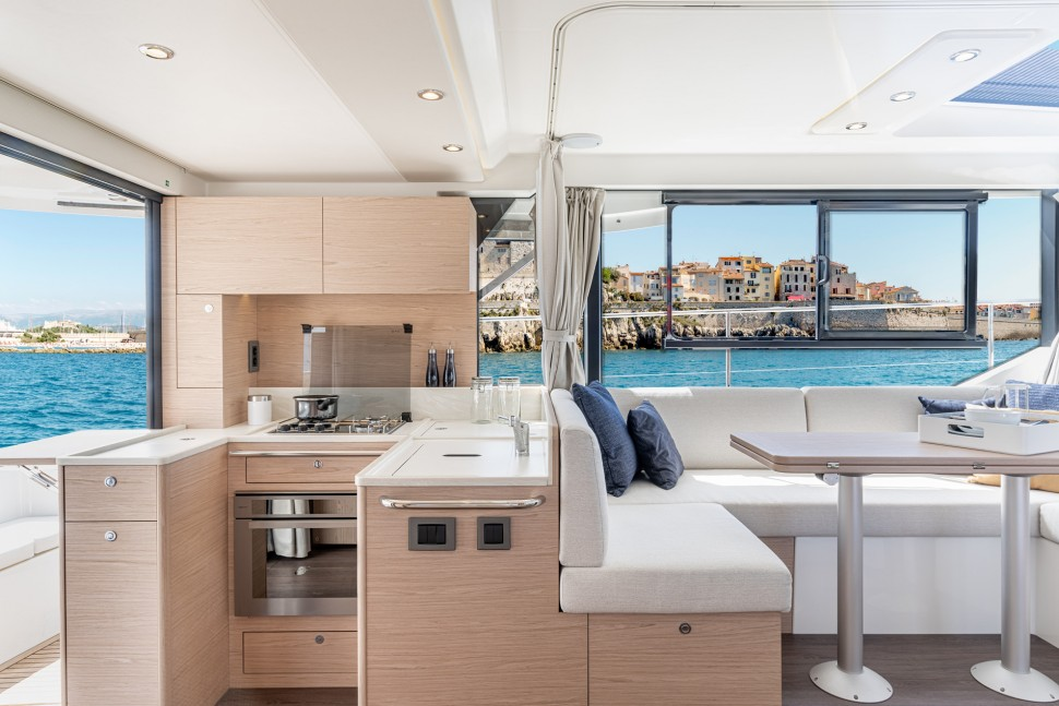 Beneteau Swift Trawler 41 Interior 4