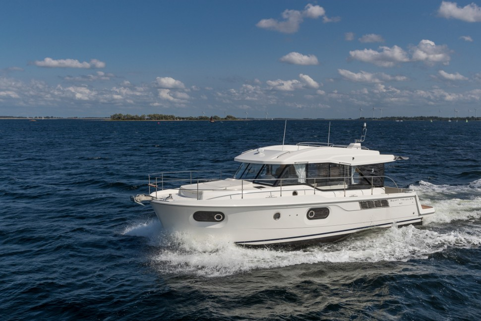 Beneteau Swift Trawler 41 Sedan 4