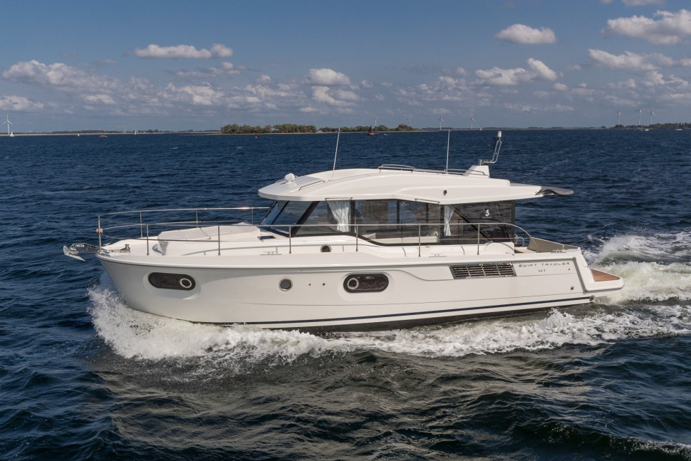 Beneteau Swift Trawler 41 Sedan 5