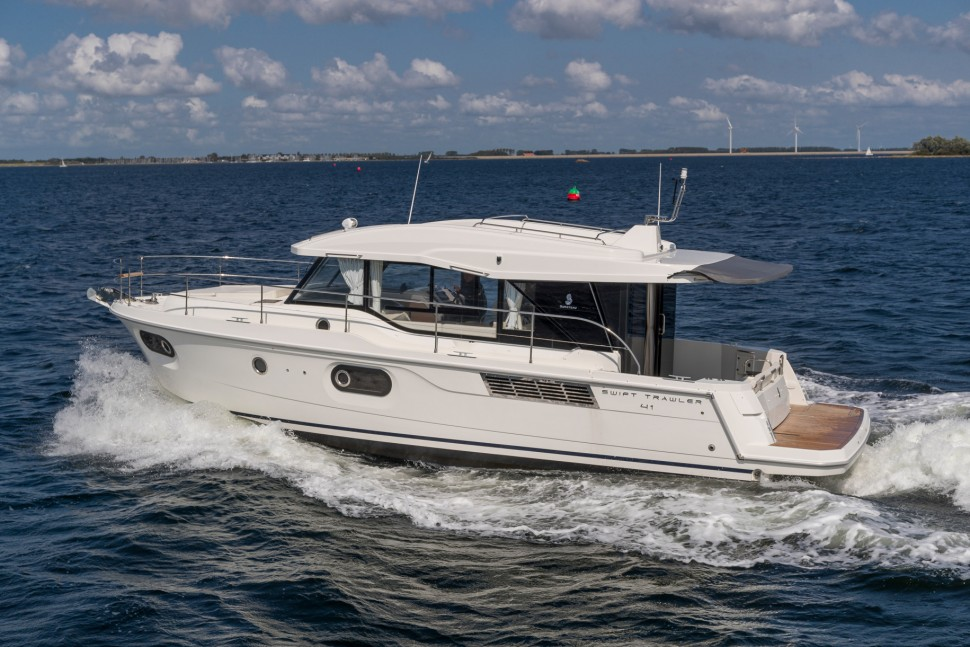 Beneteau Swift Trawler 41 Sedan 7