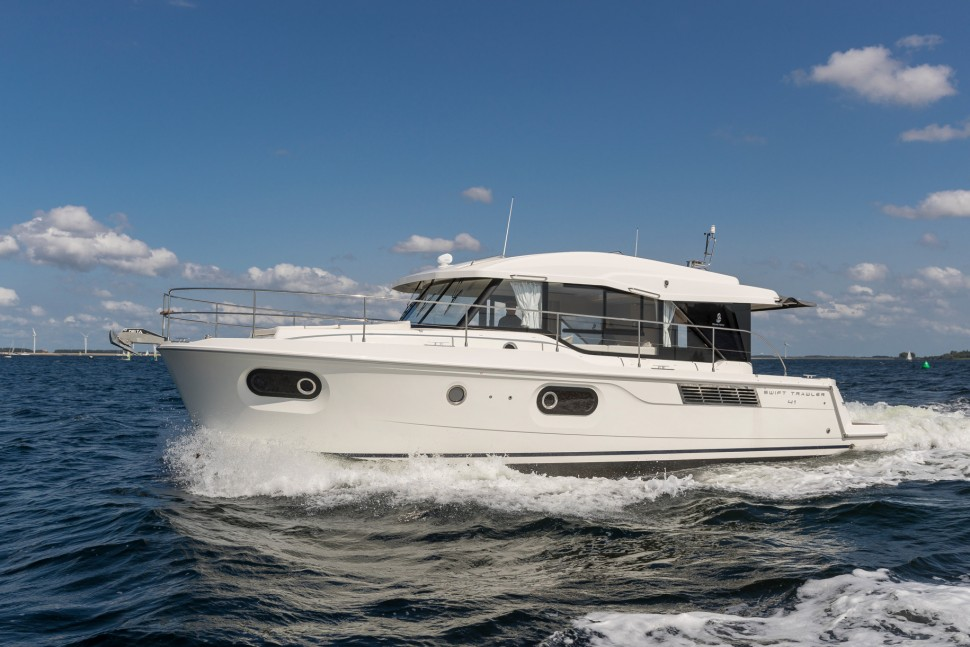 Beneteau Swift Trawler 41 Sedan 9