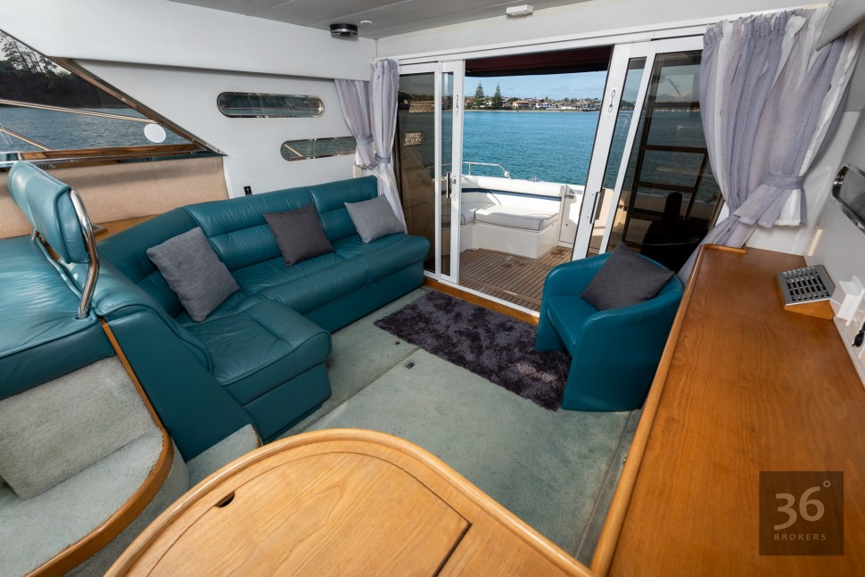 Fairline Phantom 38 14