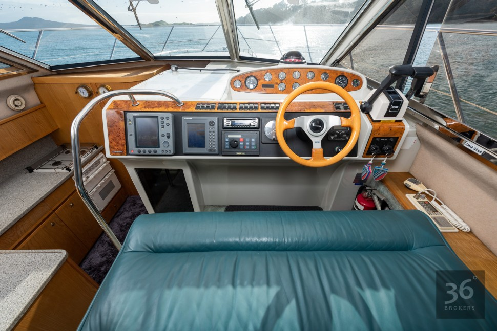 Fairline Phantom 38 15
