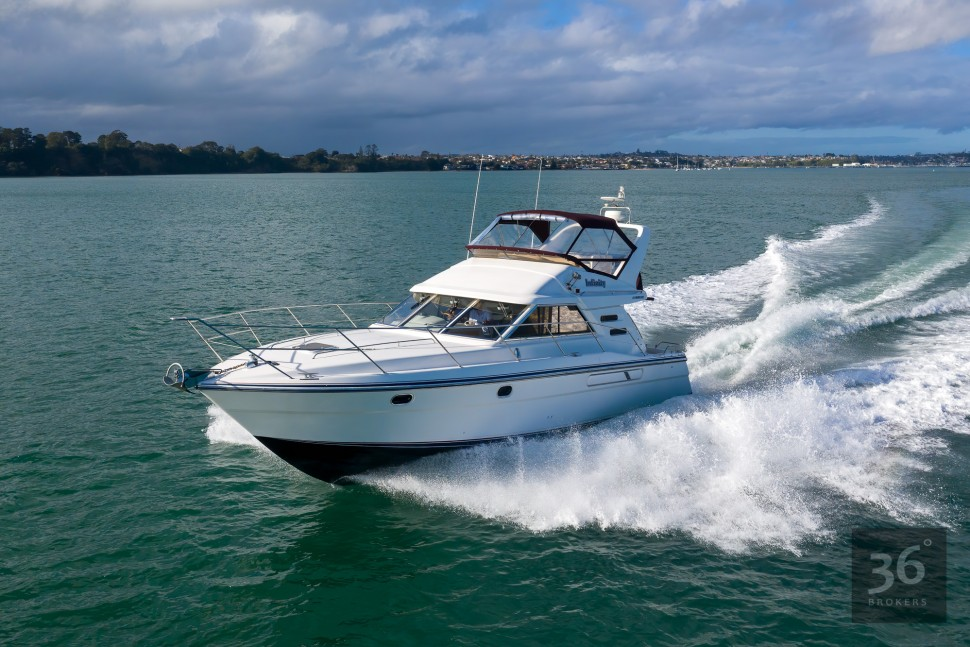 Fairline Phantom 38 21