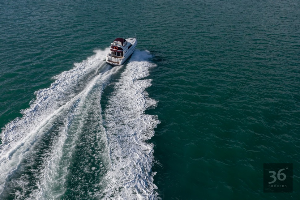 Fairline Phantom 38 9