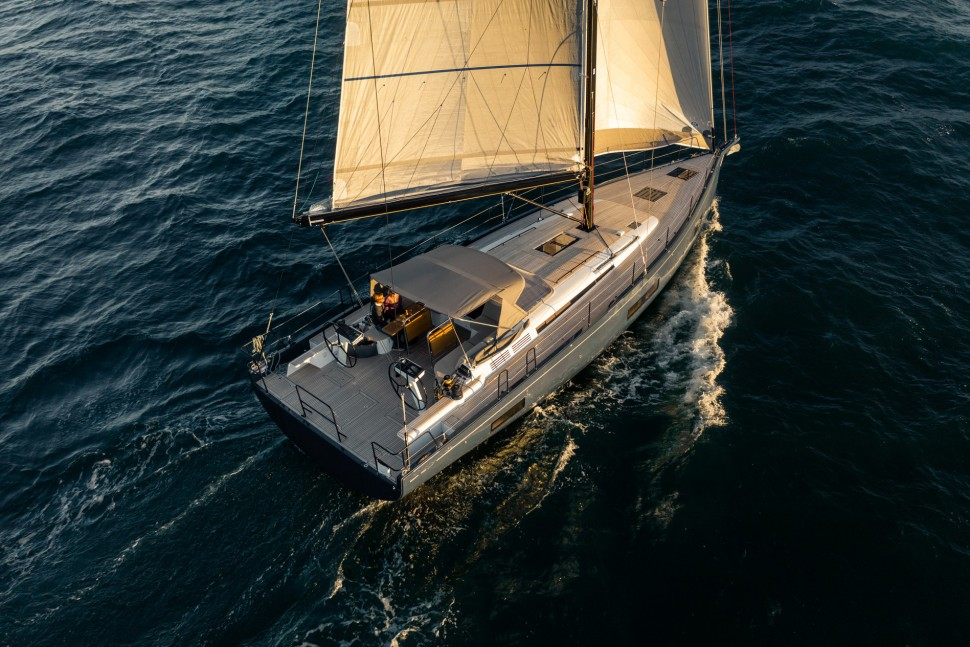 First Yacht 53 Bimini 1