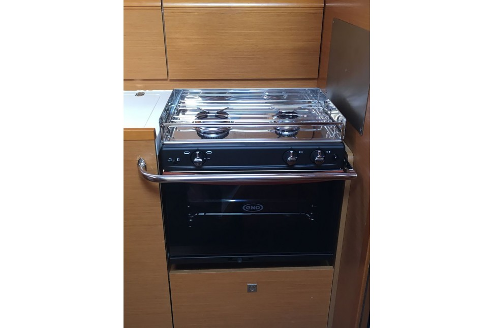 Jeanneau 439 52 2 Burner SS Oven with Grill